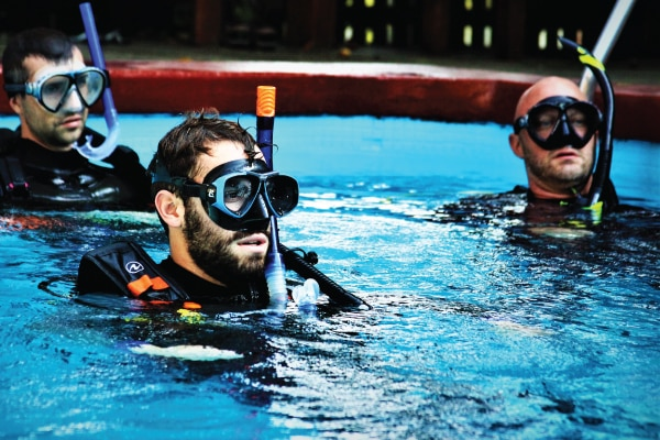 GoPro PADI Divemaster Internships and courses Honduras Central America
