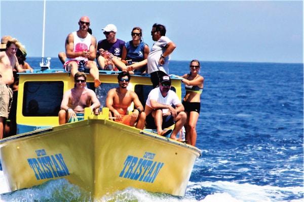 PADI Divemaster Internship unnlimited diving Utila Caribbean