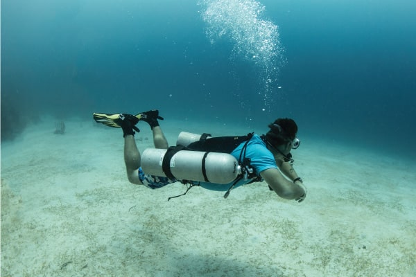 UTILA DIVE CENTRE SIDEMOUNT TRAINING PROFESSIONAL SCUBA DIVING
