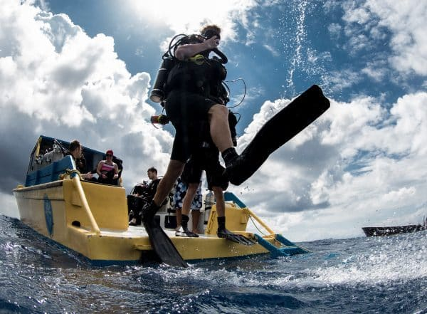 PADI INSTRUCTOR DEVELOPMENT COURSE UTILA DIVE CENTRE PROFESSIONAL TRAINING